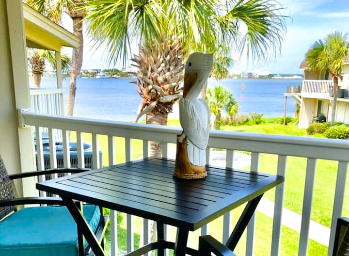 Gorgeous, waterfront condo steps away from Beach!