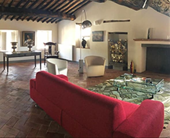 A Central and Enchanting Tuscan Villa in Collodi