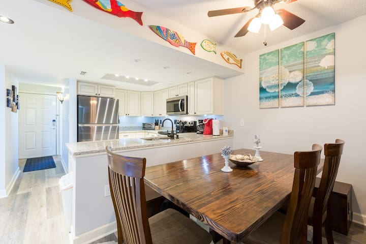 Newly Renovated Oceanfront 3BR/2Bath & Indoor Pool