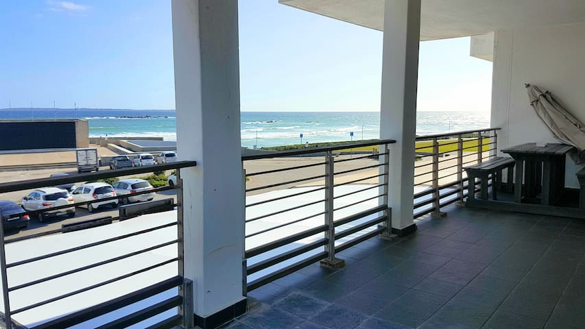 Large two bed, perfect location on the beach!