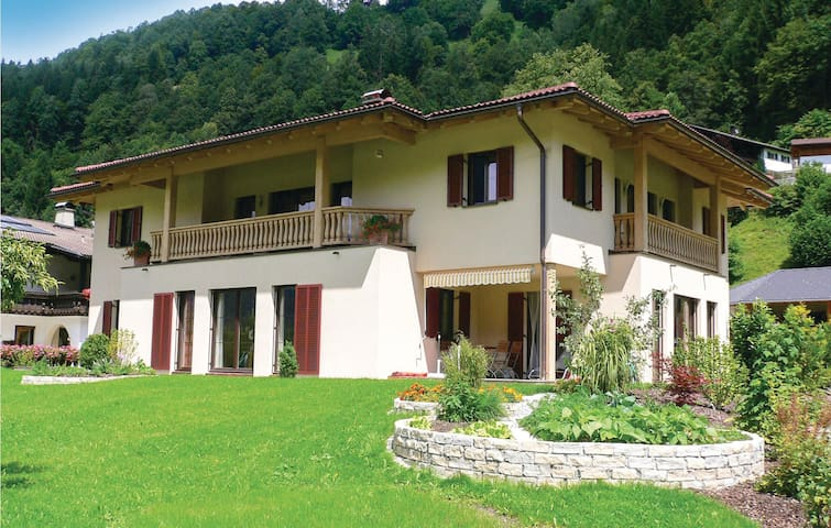 Holiday apartment with 2 bedrooms on 82 m² in Schruns