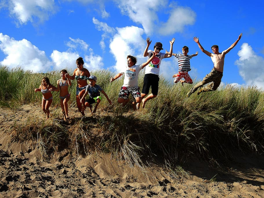 Have fun at Freshwater East's wonderful sandy beach, safe shallow sea for dipping those toes, plenty of space for beach games and sand castles.