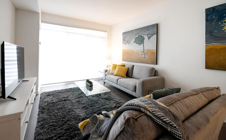 Luxury Living in the heart of Richmond Hill