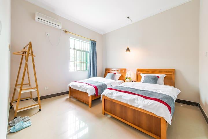 蝴蝶家客栈(客房:在云端)西涌临海舒适自在双床房独立卫浴超大活动空间及绿植院落 - Shenzhen - Haus