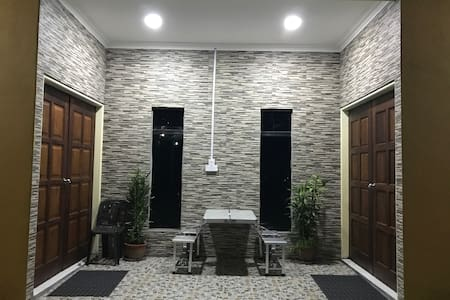 Anique Homestay-near Mantanani jetty (Twin-single)