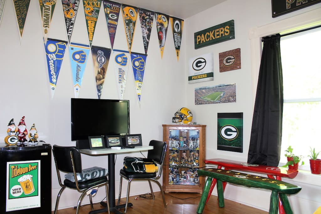 Enjoy our collection of Bobbleheads and Wisconsin Team Memorabilia while you stay!