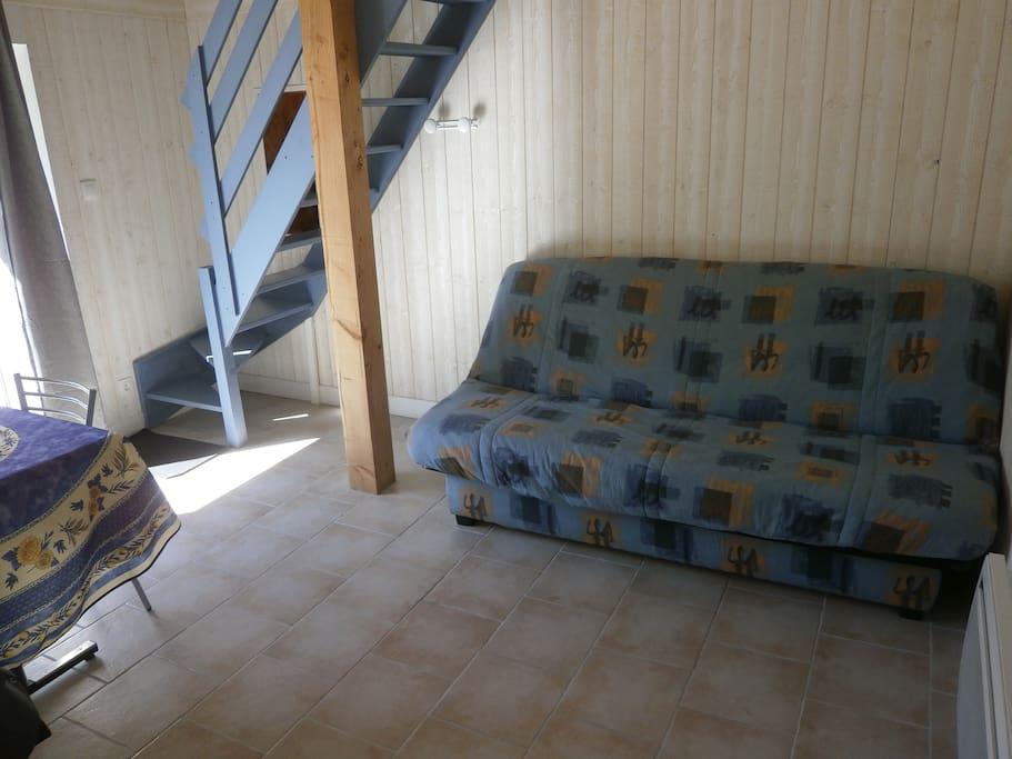 Canapé-lit (pour éventuel couchage supplémentaire)...