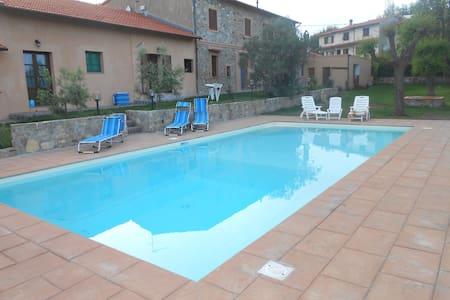 casolare con piscina vista mare 2 - Nibbiaia
