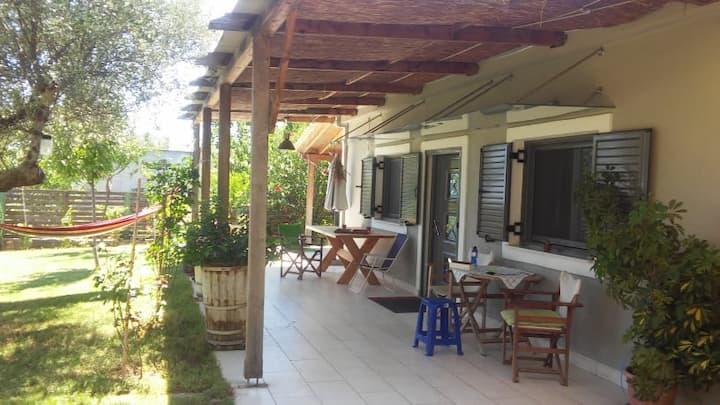 Relaxing Vila at Avramio village