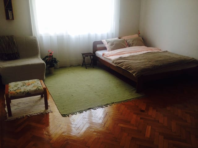 Lovely apartment for 2+1 in green area close to DT - Budapest - Departamento