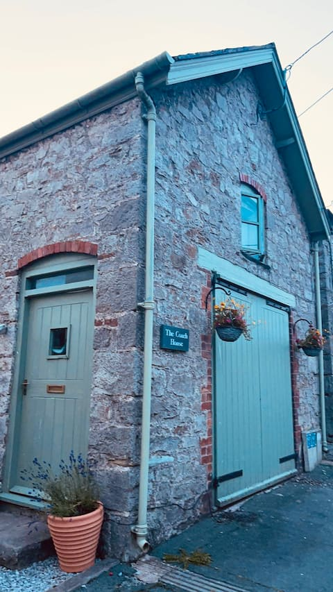 The Little Coach House...... A little place for 2