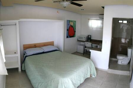 Clean, Safe, And Simple - Cancún - Apartment
