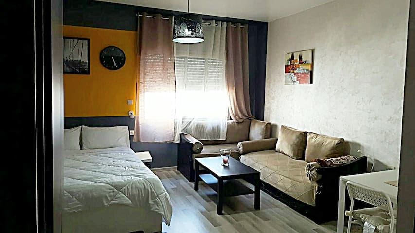 "CosyStudio in Agdal close to ""Arribat Center"" Mall"