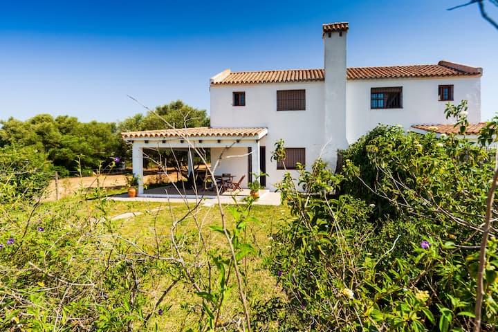 Modernes Ferienhaus in idyllischer Lage - Villa La Quinta de Maria Luisa 1