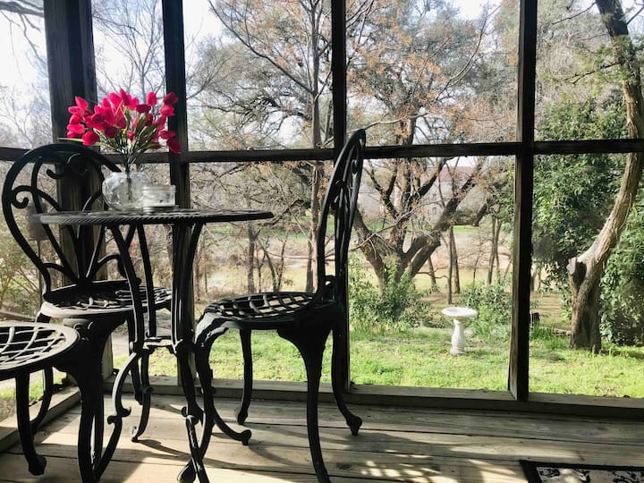 Paluxy River Guest House - Ages 13+