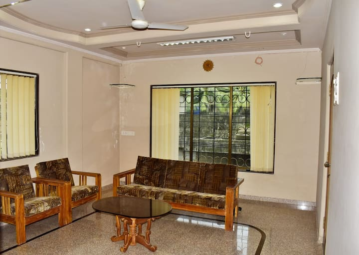 B Sayaji Homestay-Lilly Ac Suite Room with Breakfast