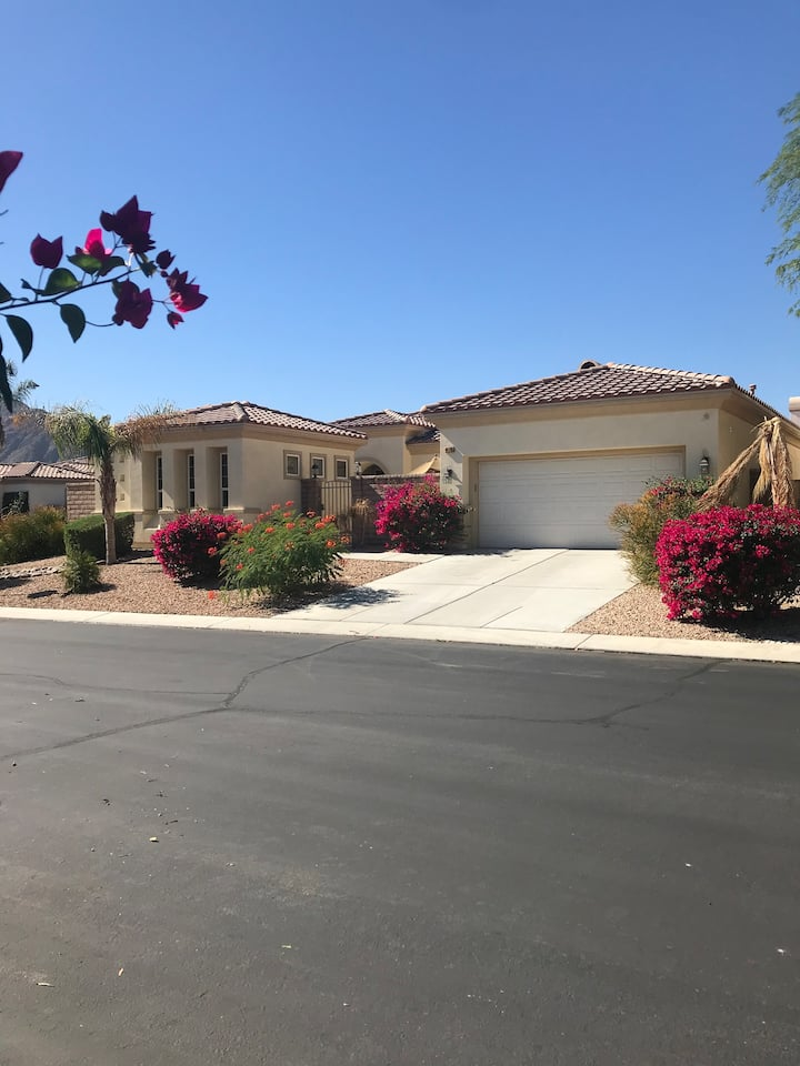 Guest house in gated community in lovely La Quinta