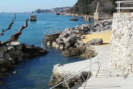 Bellissimo monolocale con spiaggia - Santa Croce Mare - อพาร์ทเมนท์