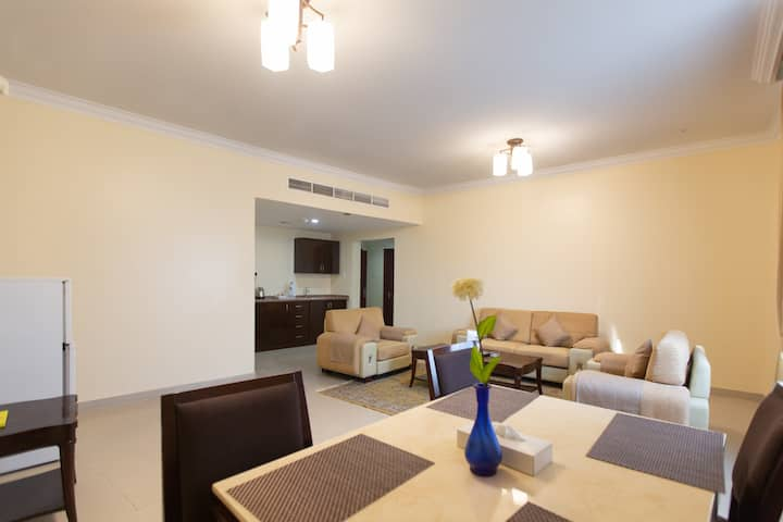 MONTHLY DELUXE FURNISHED & SERVICED TWO BR SUITE