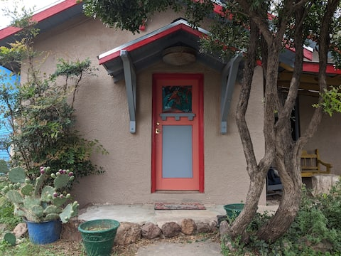 El Nopal Casita-Close to Sul Ross State University
