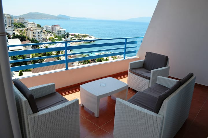 Flat with Spectacular Seaview - 185