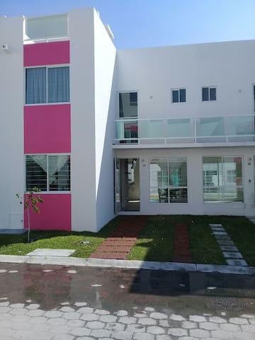 Habitación para viaje de negocios cerca Tequesqui