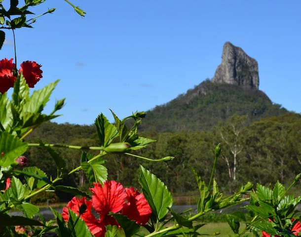 Peace & tranquility at Vines with a View - Glass House Mountains