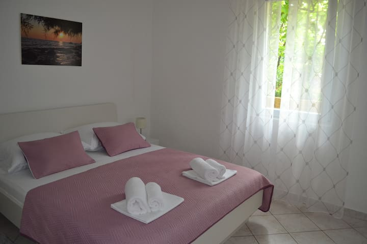 Apartment Bepo , 500 m from old town Zadar
