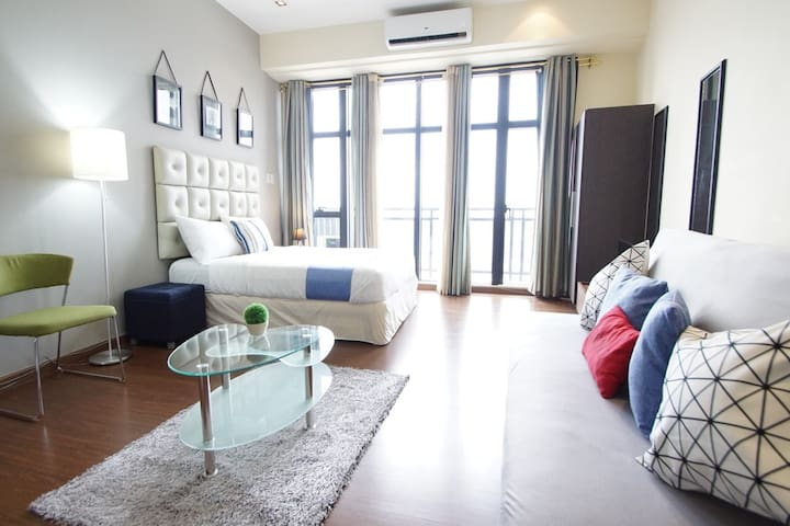 Great View! Modern studio in Century City (M5) - Makati - Condominium