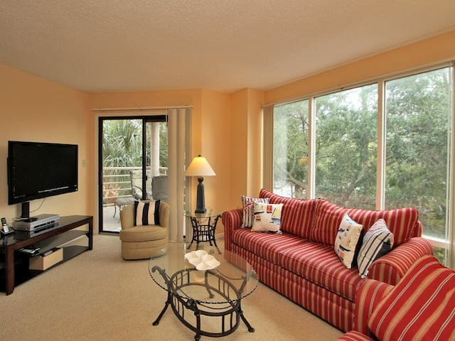 2Br Villa Just Steps to the Beach
