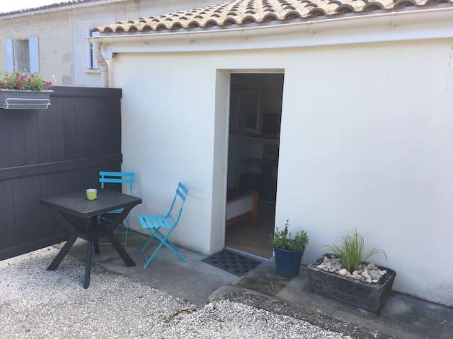 Petit studio bourg de Boisredon