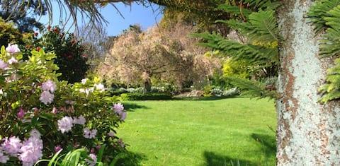 Thackwood Garden & Cottage