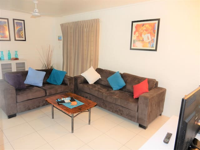 Large Fully Self-Contained Apartment - Lucinda - Apartment