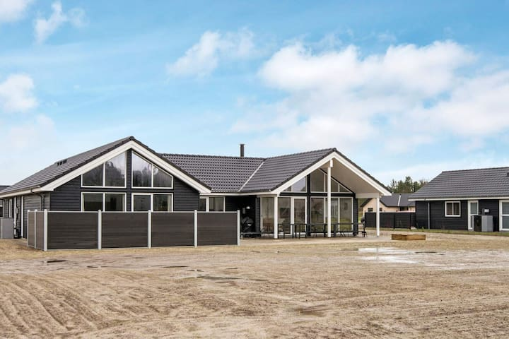 Lavish Holiday Home in Jutland with Swimming Pool