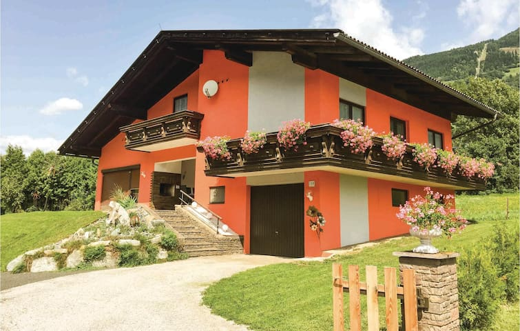 Holiday cottage with 3 bedrooms on 122 m² in Kolbnitz