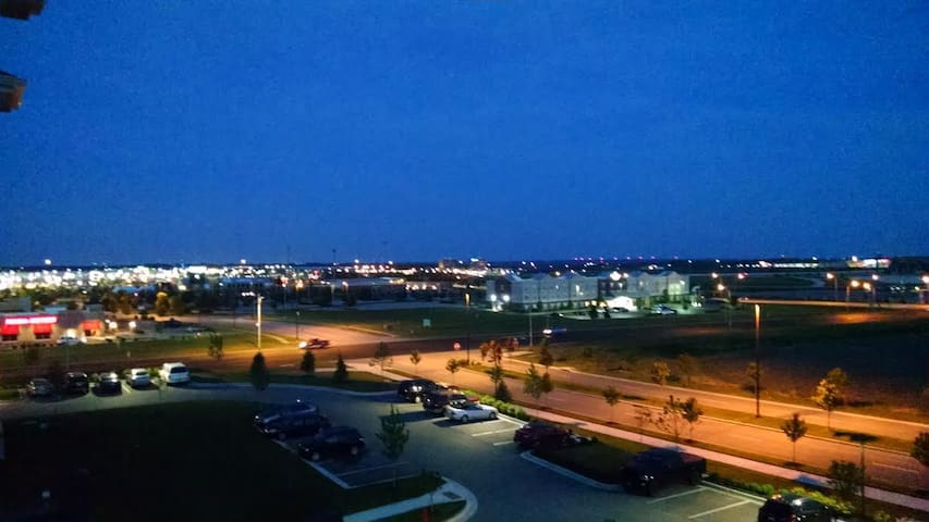 Amazing View of Kansas Speedway - Kansas City - Appartement