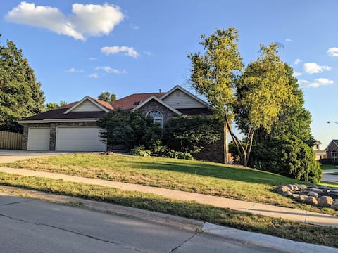 Fun 4 bedroom home with a great yard for dogs.