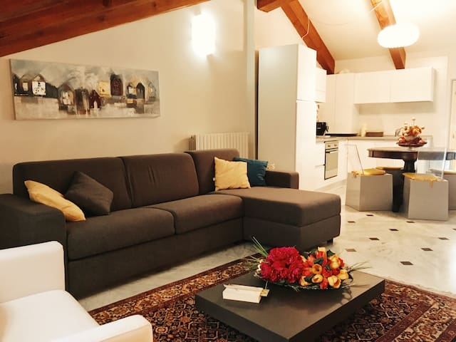 Cozy Apartment in the Heart of Acqui! - Acqui Terme - Apartament
