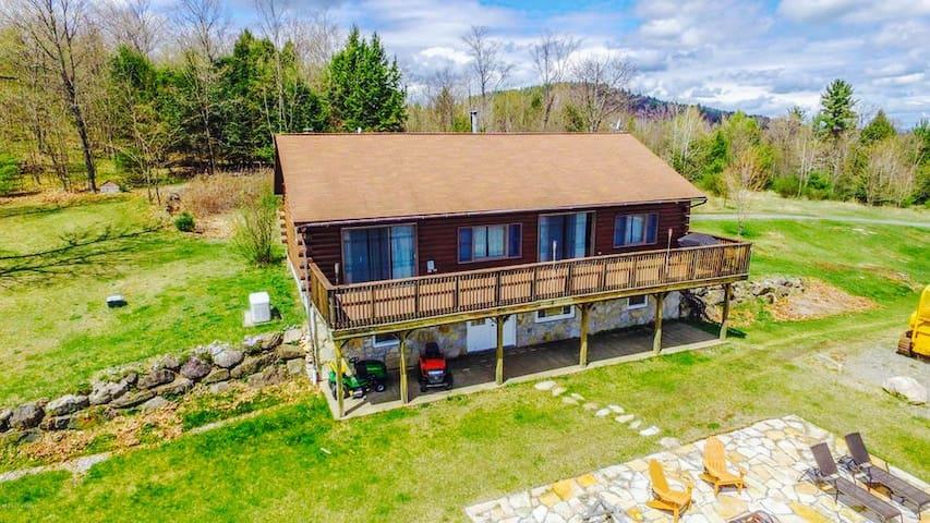 INCREDIBLE Adirondack Home (Lake George/Gore Mtn.)
