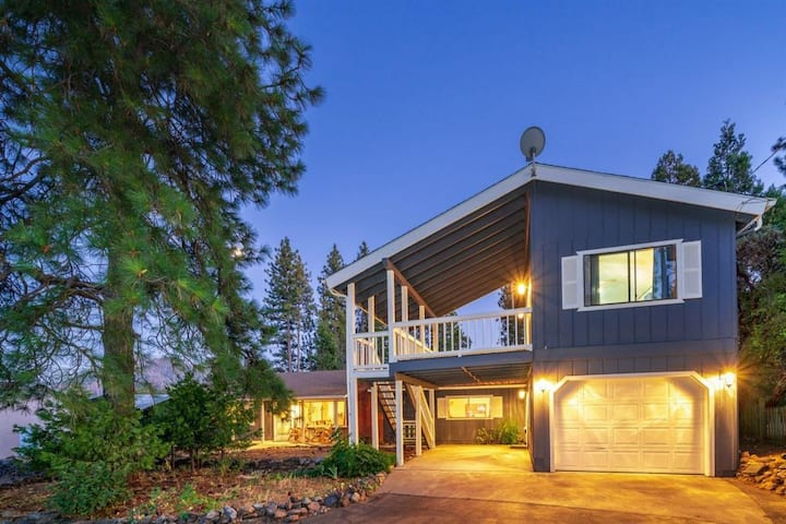 Bass Lake Heights - Lakeview House / Yosemite