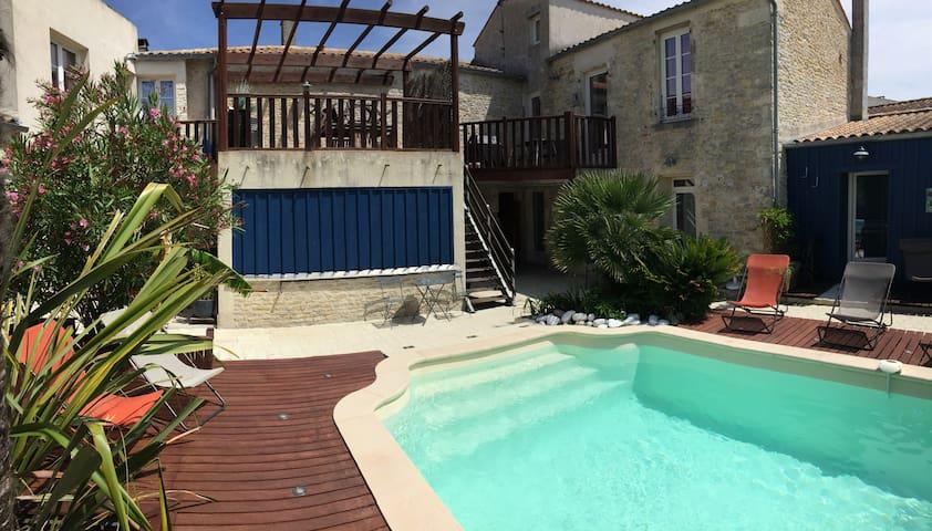 Charmant et spacieux studio avec piscine St George