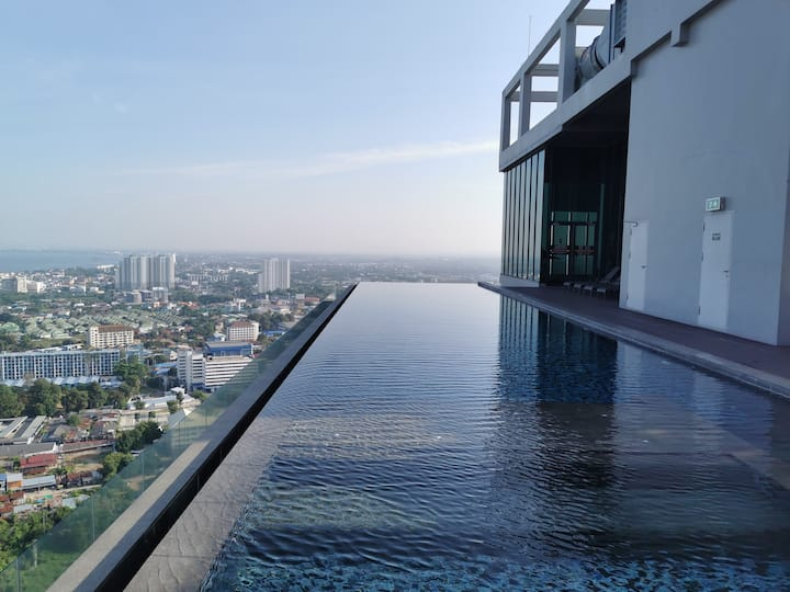 特惠海景2  pattaya posh公寓 无边泳池 市中心 21航站楼购物中心 紧临巴士站