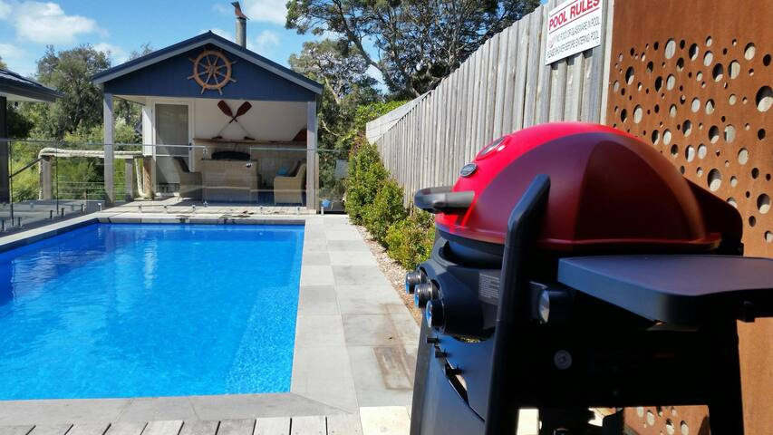 Koonya Beach Cottage- 400m to Bay or Ocean Beach