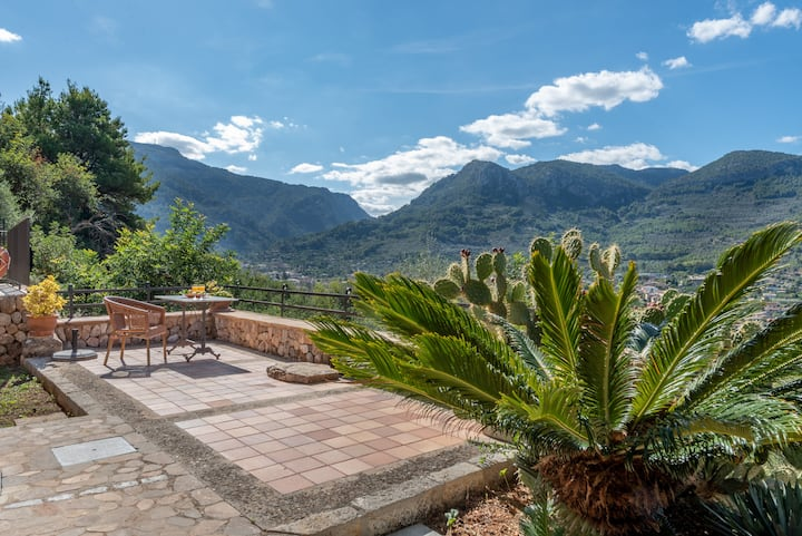 Soller cottage with plunge pool.
