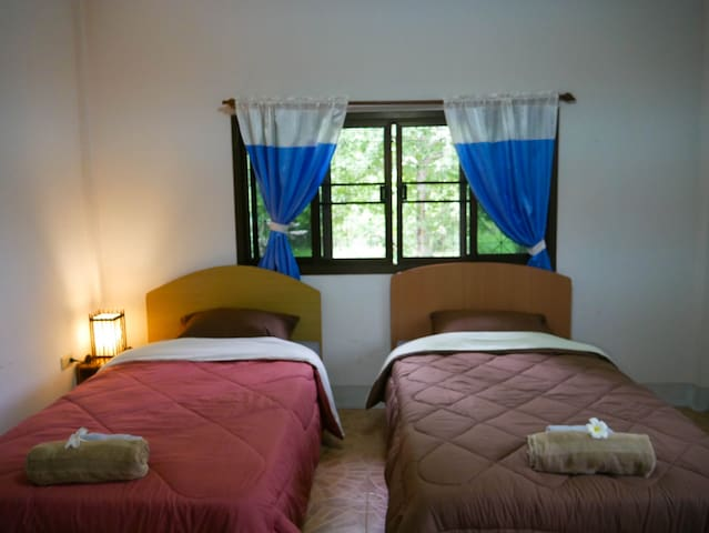 Microkosmos Guest House  ( Chiang Dao ) 2 bed - Chiang Dao - เกสต์เฮาส์