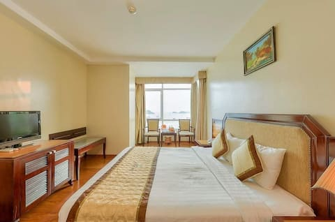 Sea Pearl Cat Ba Hotel ( Double Room)