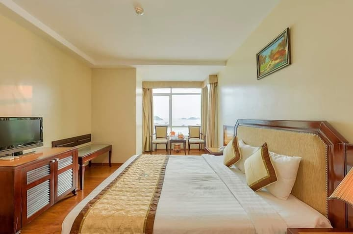 Sea Pearl Cat Ba Hotel ( Double Room)