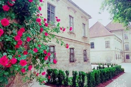 Wohnen wie einst die Mönche - Burghausen