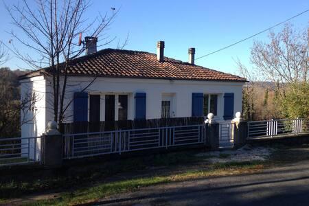 Maison campagne 5 mn d'Angoulême - Puymoyen - Casa