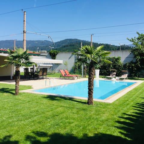 """Ferienwohnung """"Kula"""" mit Pool-und Gartenanlage"""